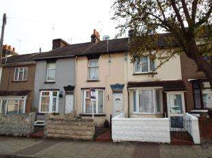 2 Bedrooms Terraced House for sale in Trafalgar Street, Gillingham, Kent, .