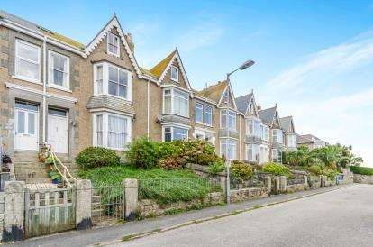 4 Bedrooms Terraced House for sale in St.Ives, Cornwall