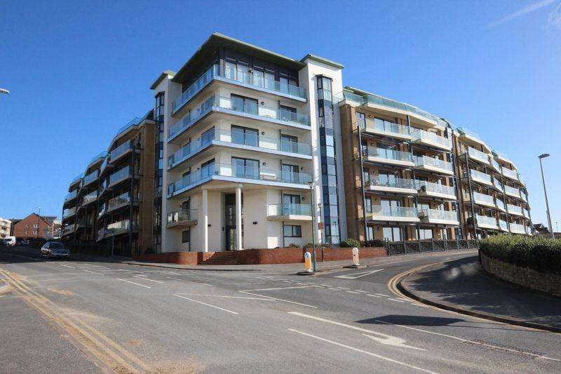 4 Bedrooms Penthouse Flat for sale in 83 The Point, Marina Close, Boscombe Spa, Bournemouth