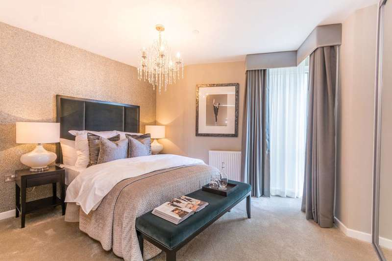 2 Bedrooms Flat for sale in Dockside, Canary Wharf, E14