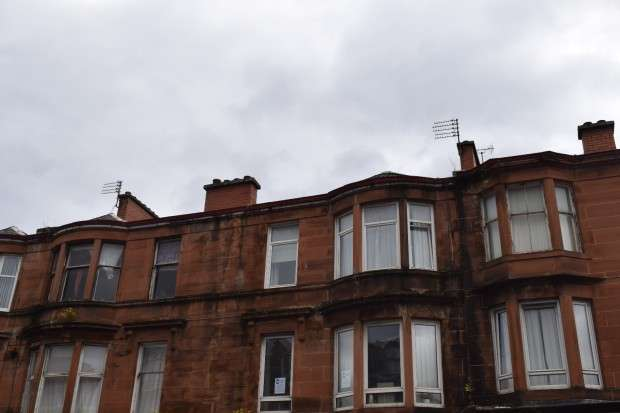 2 Bedrooms Flat for sale in Flat 1/1 333 Paisley Road West, Cessnock, G51