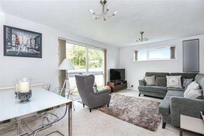 2 Bedrooms Flat for sale in Devis Court, 93 Albemarle Road, Beckenham