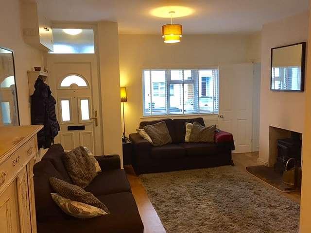 2 Bedrooms Terraced House for rent in Ewart Street, Brighton
