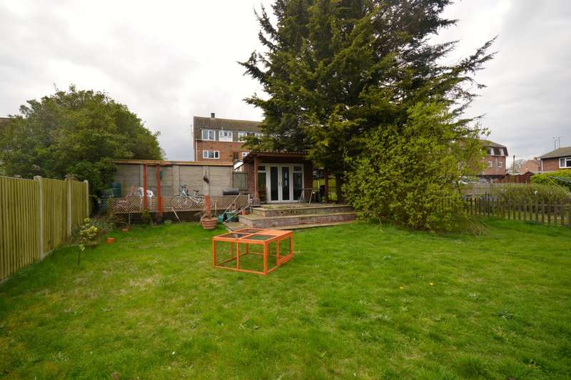 3 Bedrooms Maisonette Flat for sale in 3 bedroom 1st Floor Maisonette in Braintree