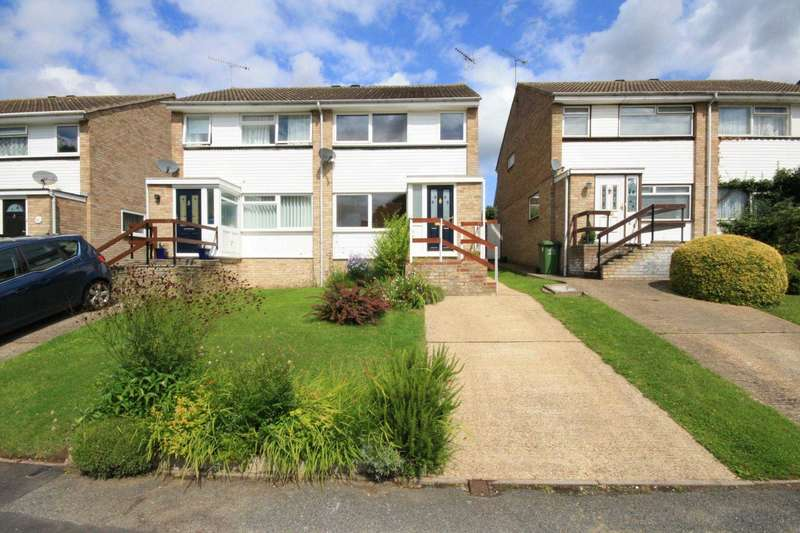 3 Bedrooms Semi Detached House for sale in Stonechat Road, Billericay