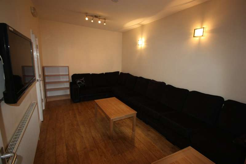 8 Bedrooms Terraced House for rent in 218 Heeley Road, Selly Oak, B29