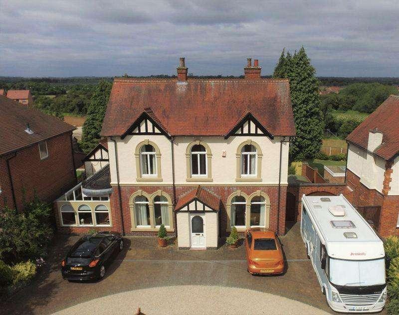 3 Bedrooms Detached House for sale in Swarkestone Road, Chellaston, Derby