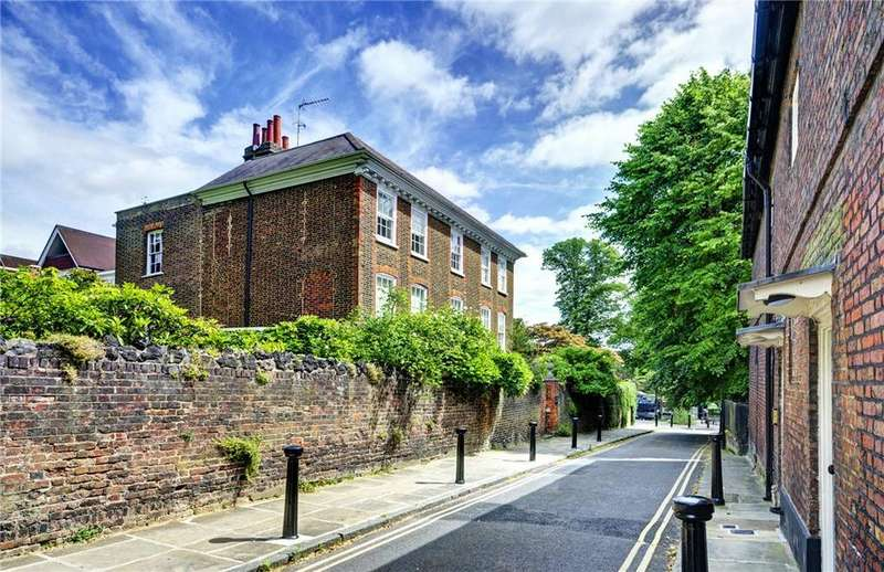 6 Bedrooms Detached House for sale in Hampstead Square, London, NW3