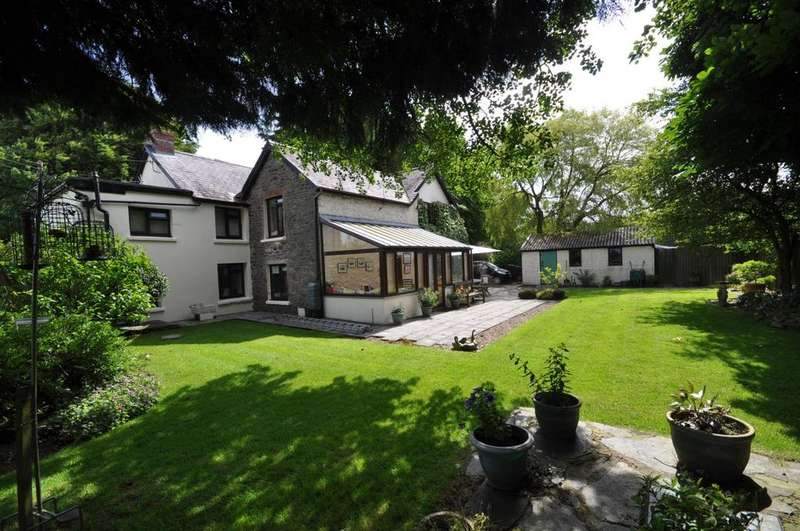 4 Bedrooms Detached House for sale in The Old Coach House, Llandawke, Laugharne SA33 4RD