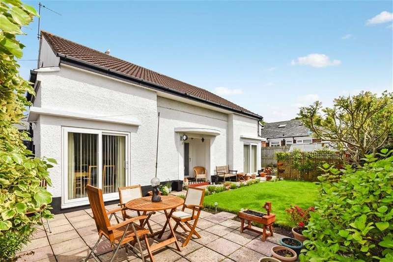 3 Bedrooms Detached Bungalow for sale in Scalby Avenue, Scarborough, North Yorkshire, YO12