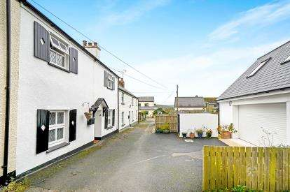 4 Bedrooms Terraced House for sale in Tregony, Cornwall, Uk