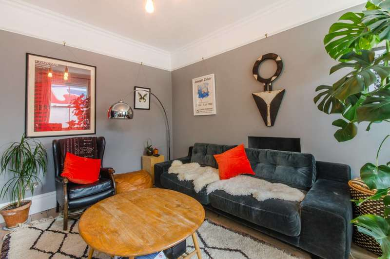 2 Bedrooms House for rent in Southampton Way, Camberwell, SE5