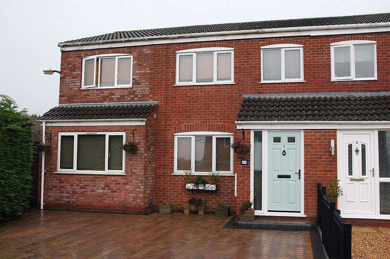 4 Bedrooms Semi Detached House for sale in Barnesd Wallis Close, Bowerhill