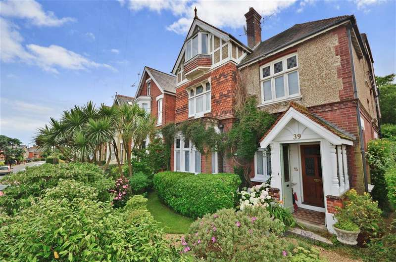 6 Bedrooms Town House for sale in Newport Road, Cowes, Isle of Wight