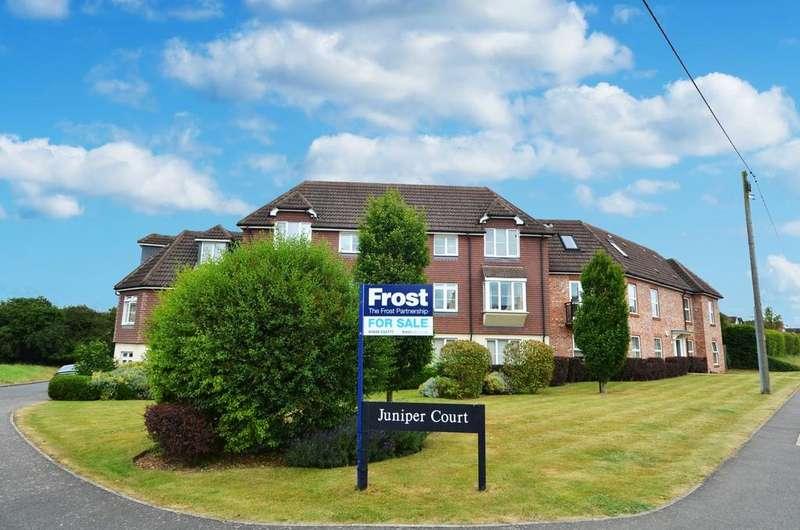 2 Bedrooms Flat for sale in Juniper Court, Juniper Lane, Flackwell Heath, HP10