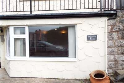 2 Bedrooms Flat for rent in West End, Glan Conwy