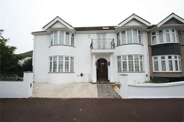 6 Bedrooms Semi Detached House for sale in Beccles Drive, Barking, Essex