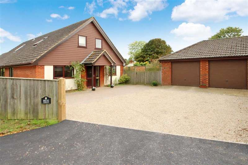 4 Bedrooms Bungalow for sale in Mouse Lodge, School Road, Waldringfield, Woodbridge