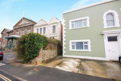 2 Bedrooms Flat for sale in Sandown, Isle Of Wight