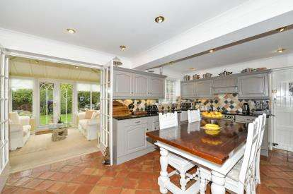 4 Bedrooms Detached House for sale in Earle Close, Yarm, Stockton On Tees