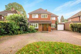 4 Bedrooms Detached House for sale in London Road South, Merstham, Redhill, Surrey