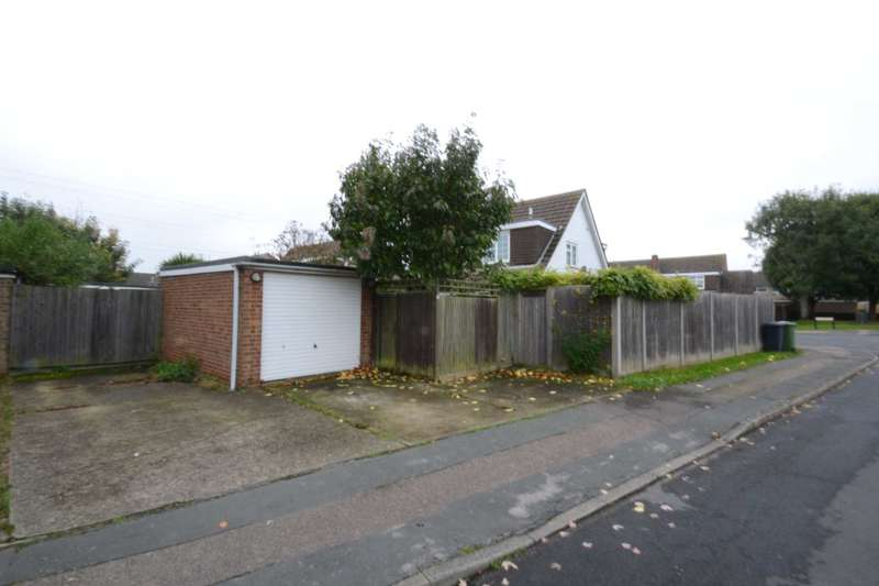 3 Bedrooms Semi Detached House for sale in Perrysfield, Cheshunt