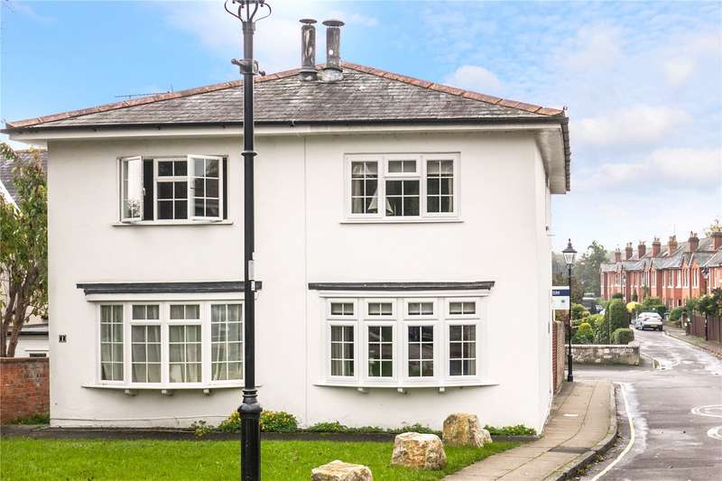 2 Bedrooms Semi Detached House for sale in King Alfred Place, Winchester, Hampshire, SO23