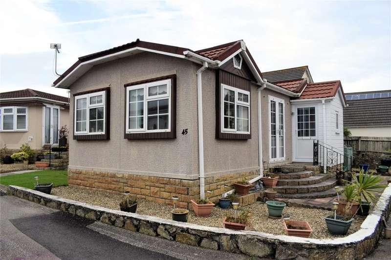 2 Bedrooms Detached Bungalow for sale in Glenhaven Park, HELSTON