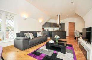 2 Bedrooms Flat for sale in Brighton Road, South Croydon