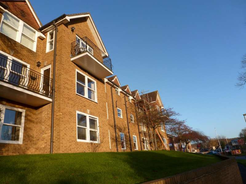 2 Bedrooms Apartment Flat for rent in Lammas Court, Old Station Way, Godalming