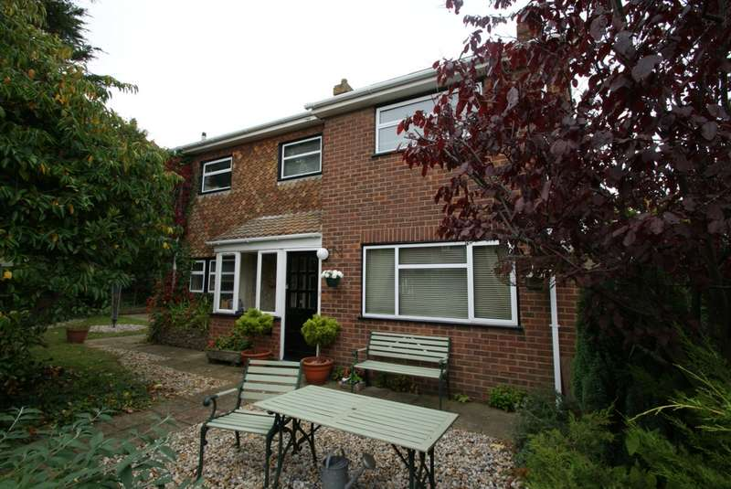 3 Bedrooms Detached House for sale in Jarvist Place, Kingsdown, CT14