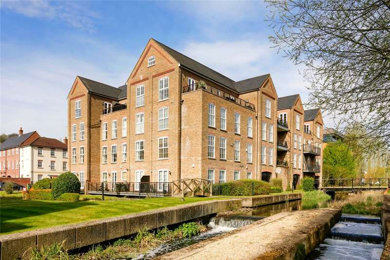 3 Bedrooms Flat for sale in The Mill, Coaters Lane, Wooburn Green, Buckinghamshire, HP10