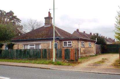 4 Bedrooms Bungalow for sale in Mildenhall, Bury St. Edmunds, Suffolk