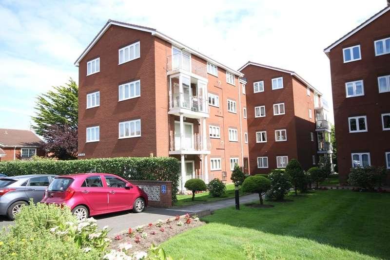 3 Bedrooms Flat for sale in Beechfield Gardens, Westcliffe Road, Southport