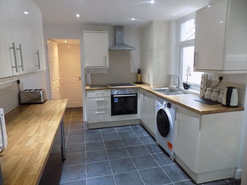 3 Bedrooms Terraced House for sale in King Street, Port Talbot, Neath Port Talbot. SA13 1AU