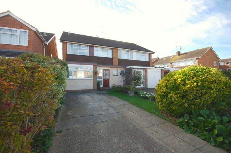 5 Bedrooms Semi Detached House for sale in Chestnut Walk, Chelmsford, CM1