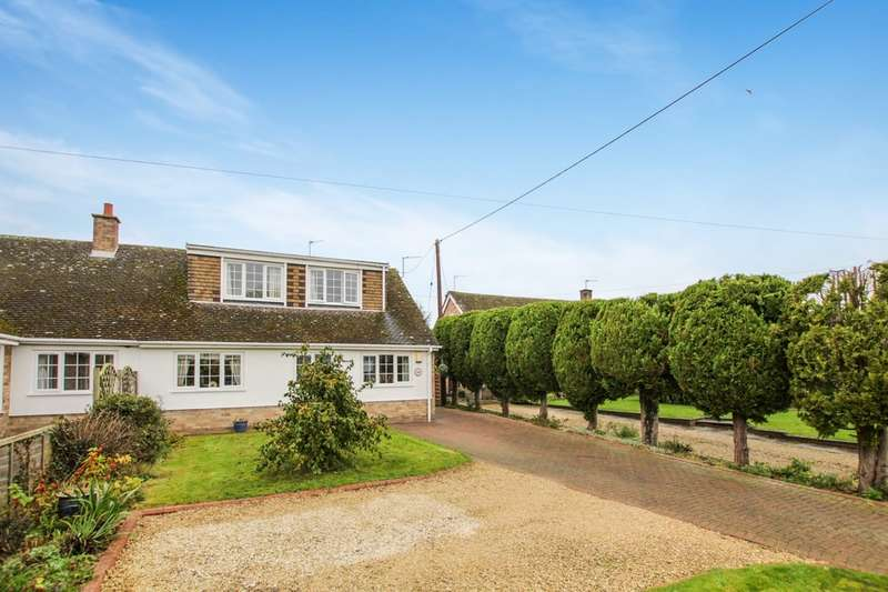 4 Bedrooms Semi Detached Bungalow for sale in High Street, Chalgrove