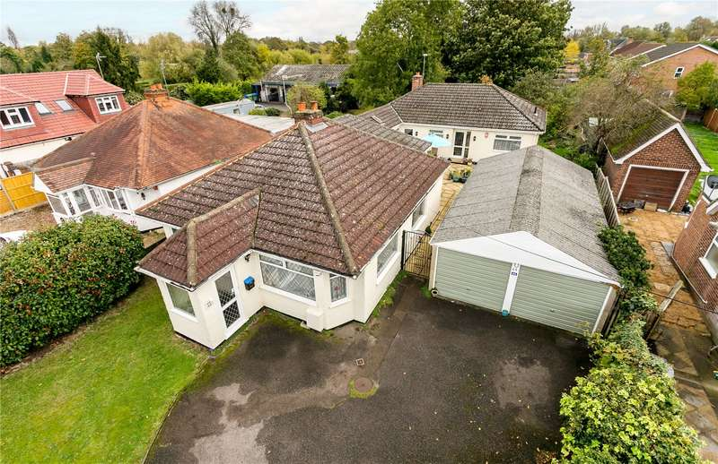 4 Bedrooms Detached House for sale in Welley Road, Wraysbury, Berkshire, TW19