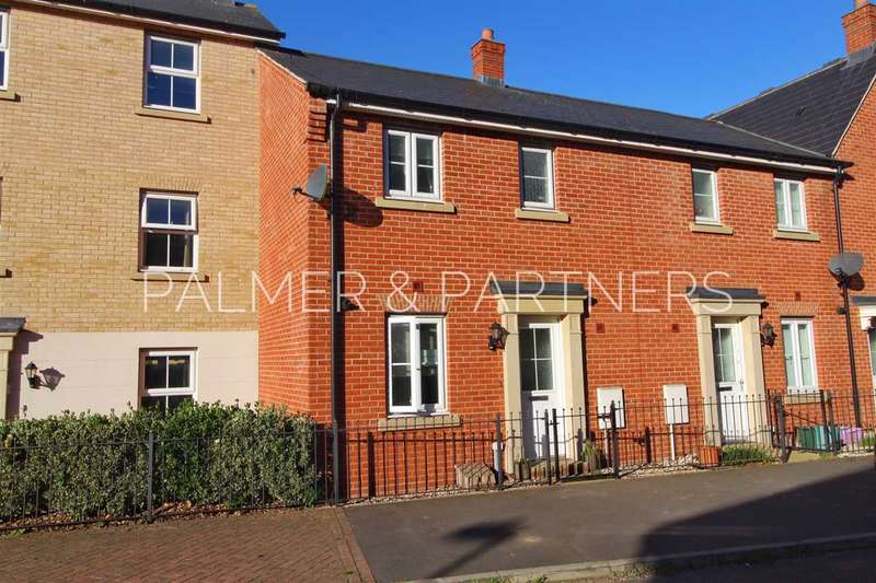 3 Bedrooms Terraced House for sale in Kirk Way, Mile End, Colchester