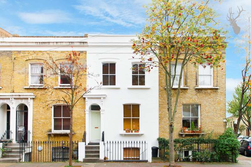 3 Bedrooms Maisonette Flat for sale in Chisenhale Road, Bow, E3