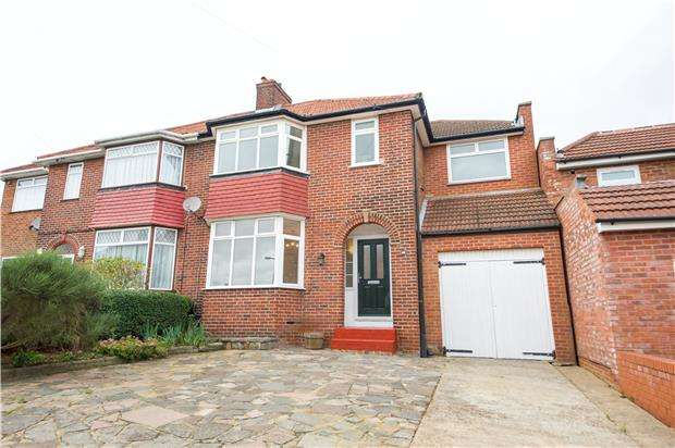 4 Bedrooms Semi Detached House for sale in Lodore Gardens, KINGSBURY, NW9 0DR