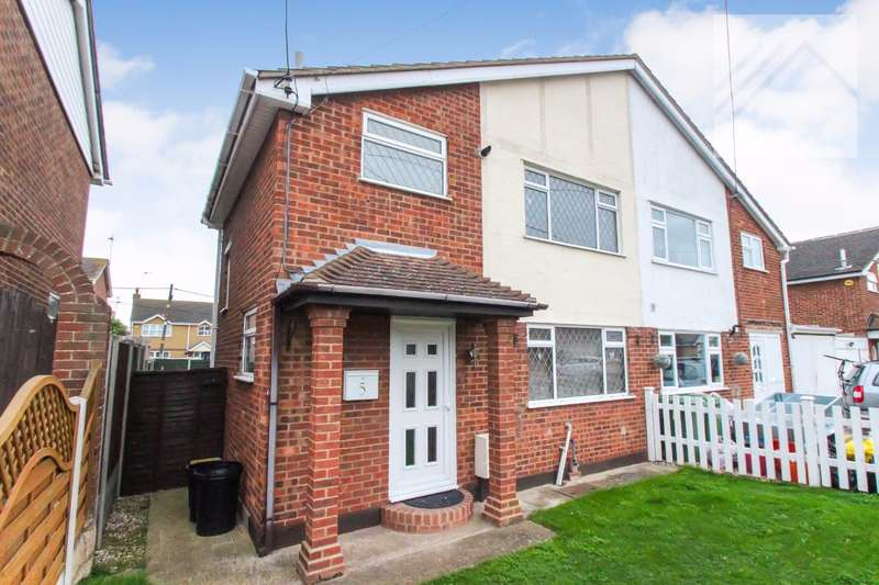 3 Bedrooms Semi Detached House for sale in Gainsborough Avenue - MOVE STRAIGHT IN