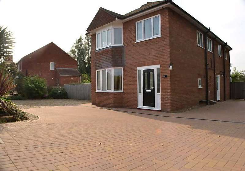 4 Bedrooms Detached House for sale in Clenchwarton Road, West Lynn, King's Lynn