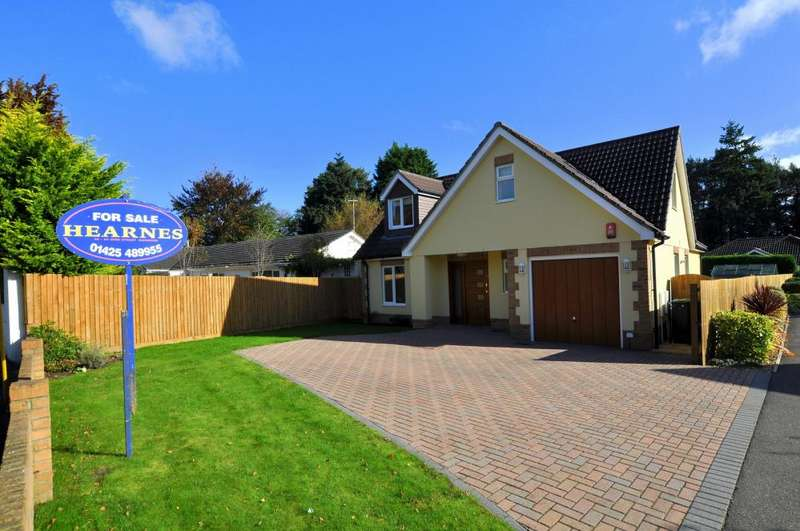 4 Bedrooms Detached House for sale in St Leonards, Ringwood, BH24 2DR
