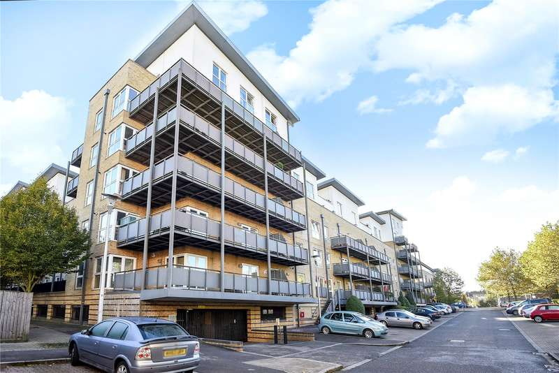 2 Bedrooms Penthouse Flat for sale in Catalonia Apartments, Metropolitan Station Approach, Watford, WD18