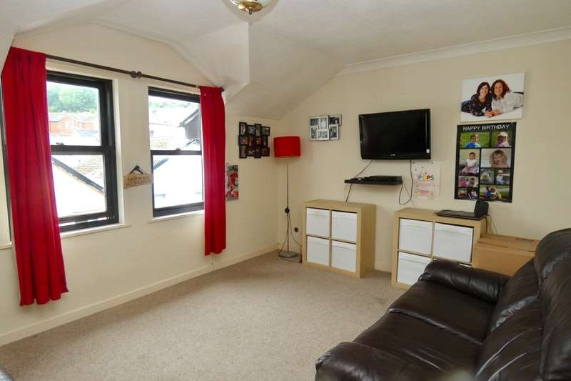 1 Bedroom Flat for sale in Elmbak Road, Paignton, Devon, TQ4