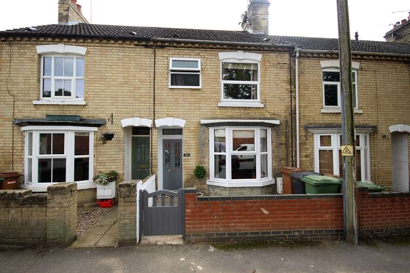 3 Bedrooms Terraced House for sale in Irchester Road, Wollaston, Wellingborough, Northamptonshire. NN29 7RW