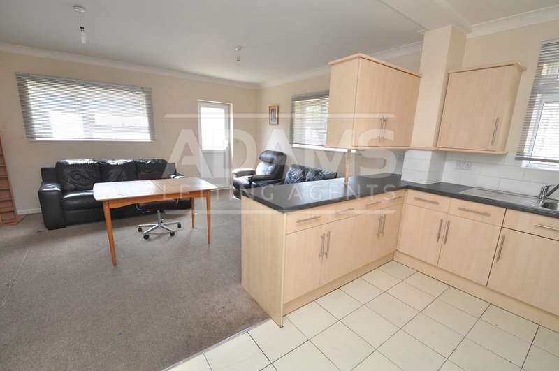 5 Bedrooms House for rent in Wycliffe Road, Winton, Bournemouth