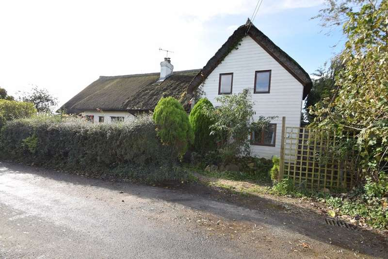 4 Bedrooms Detached House for sale in Broadoak