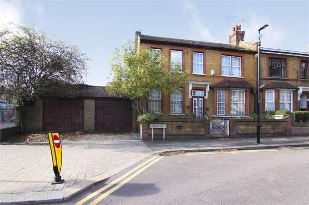 4 Bedrooms End Of Terrace House for sale in Merton Road, Walthamstow, London